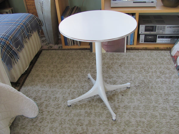 Table: George Nelson 5452 Swag Leg Side Table