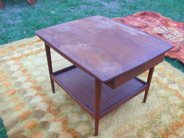 Table: Teak Side Table - Project