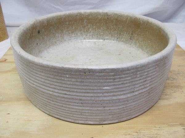 "Zanesville Pottery 10"" diameter x 3.5"" Tall Ribbed Stoneware Bowl #4002 Excellent"