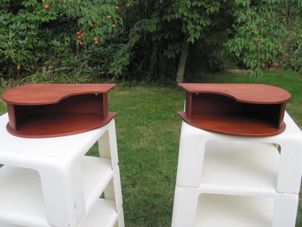 Furnishing : Pair of Small Floating Teak Shelves - Danish, Comma Shaped