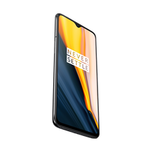 Load image into Gallery viewer, With its Snapdragon 855 mobile platform, the OnePlus 7 offers a powerful and immersive gaming experience.