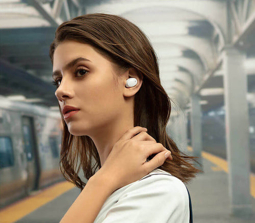 OPPO Enco W11 headphones boast 8mm dynamic drivers with titanium-plated composite diaphragms, enhancing bass effect.