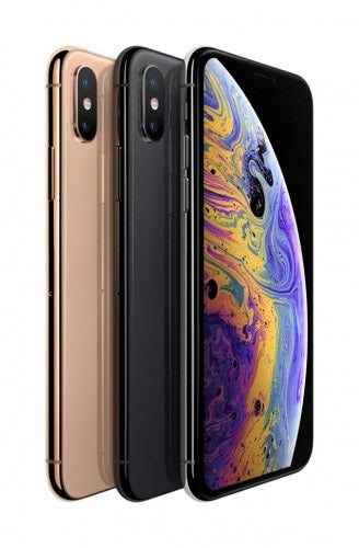 iPhone XS features a 5.8-inch Super Retina display with custom-built OLED panels