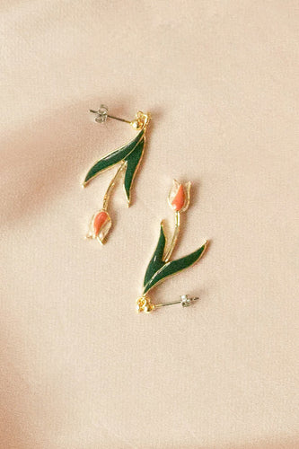 Swinging Tulip Pierce