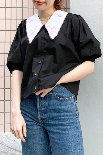 Rose Scallop Collar Blouse / Black