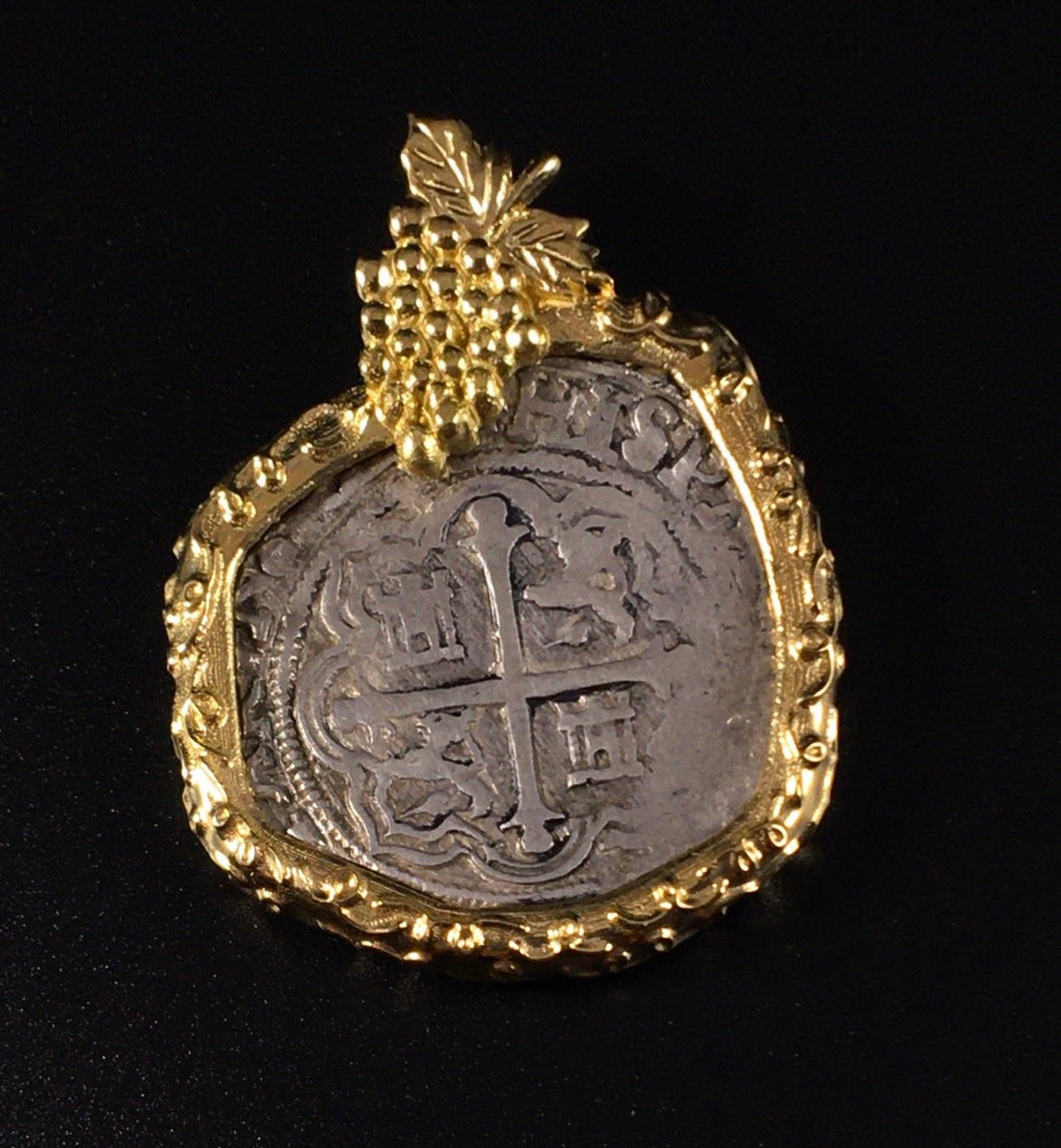 Mexico City 18k Grape Pendant
