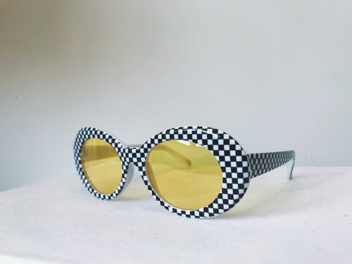 CHECKERED CRUSH ON YOU SUNGLASSES