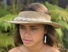 Load image into Gallery viewer, Mauna Kea White Shell Lei