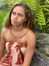 Load image into Gallery viewer, Ohi'a Lehua Shell Lei & Earring Set