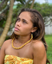 Load image into Gallery viewer, Liliko'i Yellow Shell Lei & Earring Set