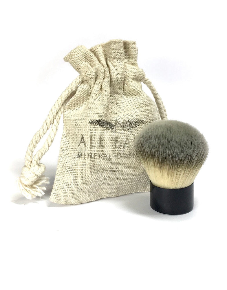 All Earth Mineral Cosmetics Blusher Kabuki Brush
