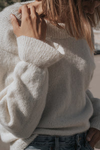 m e l l o w sweater - English