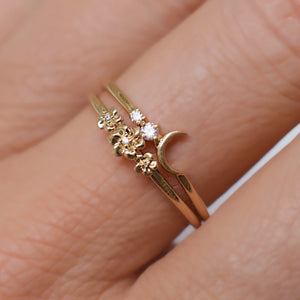 La Kaiser Fly me to the Moon ring. La Kaiser Daisy Garland ring. Solid gold, diamonds, fine jewellery
