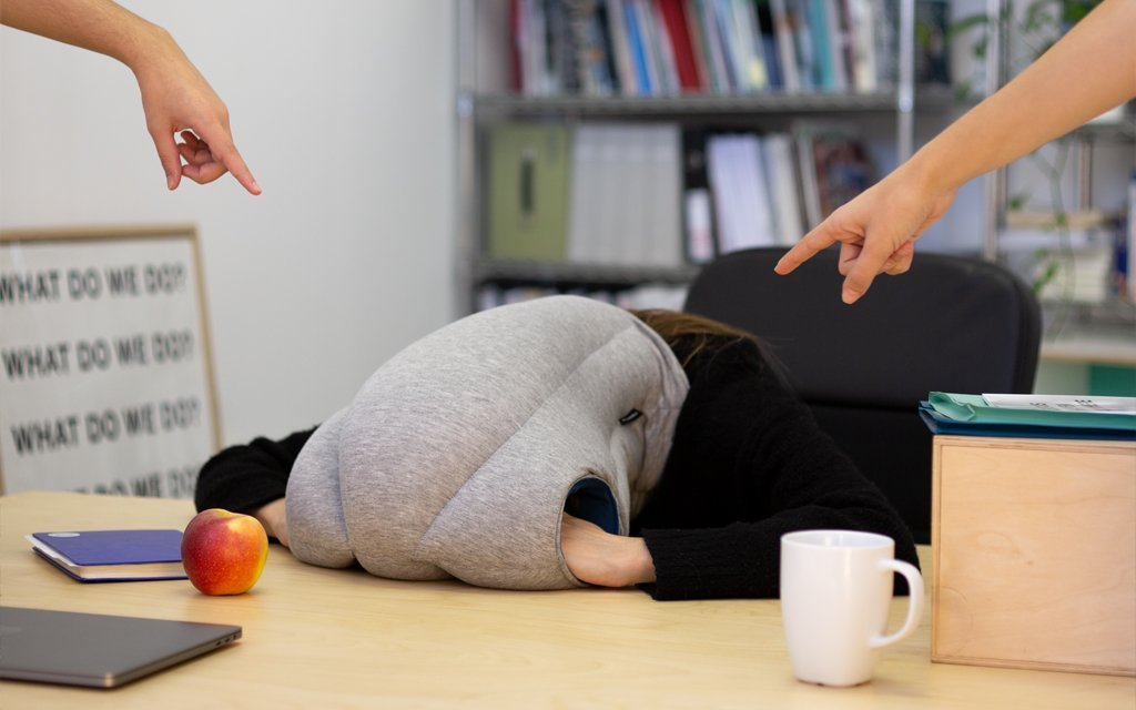 Original desk pillow - Ostrichpillow Magazine