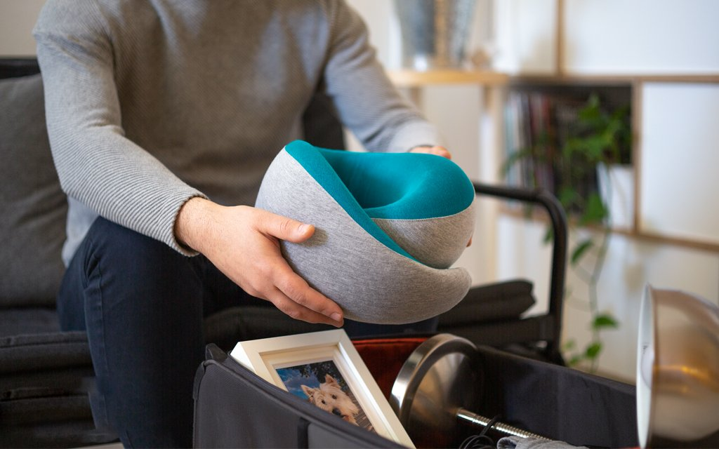 Travel neck pillow - Ostrichpillow Magazine