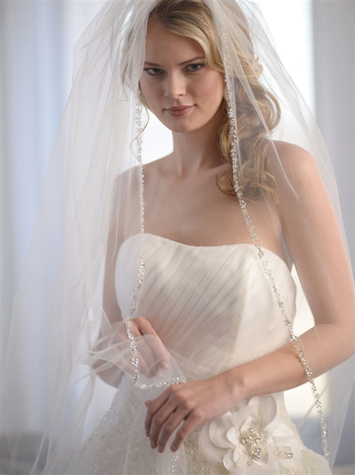 Mariah Pearl Crystal Beaded Bridal Veil4