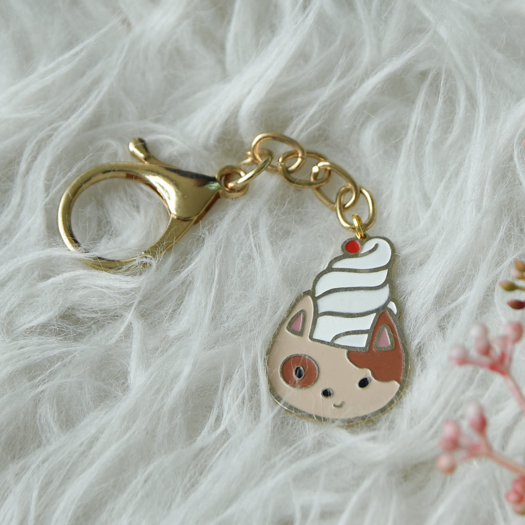Keychain Enamel Cat Ice Cream