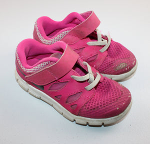 NIKE PINK RUNNERS SIZE 10C PC