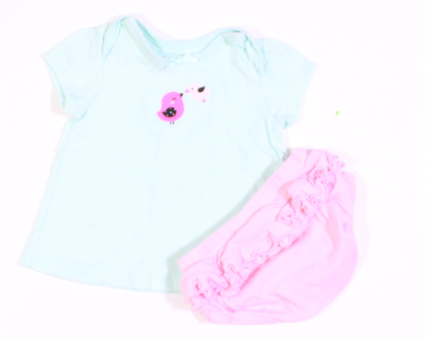 CARTERS TOP AND BLOOMERS 3-6M VGUC