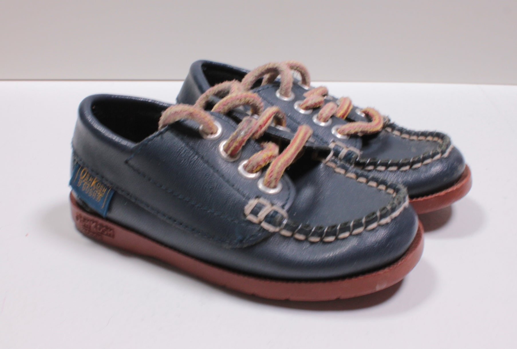 OSH KOSH NAVY DOCK SHOE SIZE 5 (SMALL FIT)  VGUC/EUC