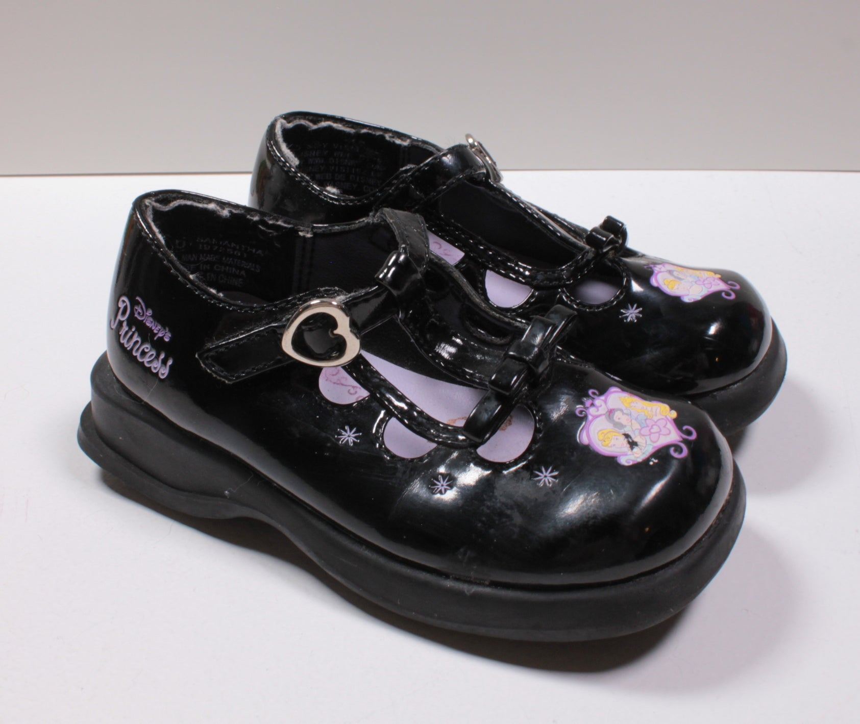 DISNEY PRINCESS SHINY BLACK SHOE EIZE 6 VGUC/EUC