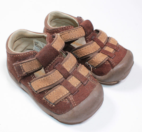 BUM KIDS BROWN SANDALS SIZE 2 EUC