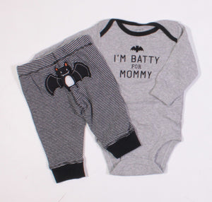 CARTERS BATTY FOR MOMMY OUTFIT 3M EUC