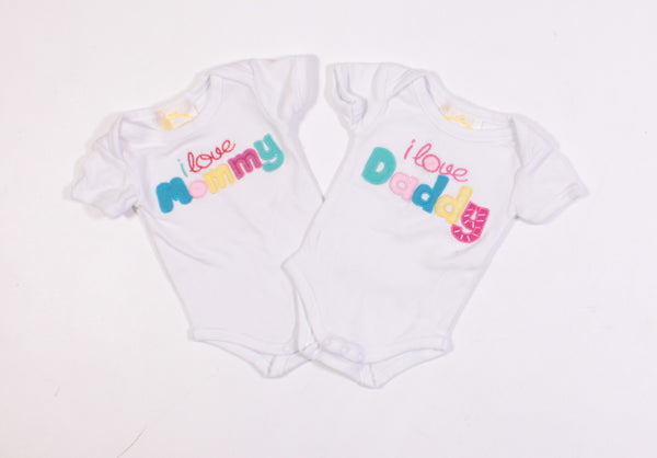 CORA MOMMY AND DADDY 2 PACK ONESIES 3M VGUC