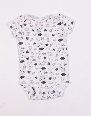 CARTERS BLACK AND WHITE ONESIE WITH UNICORNS & BUNNIES 3M EUC