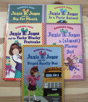 JUNIE B JONES 5 PACK BOOK VGUC