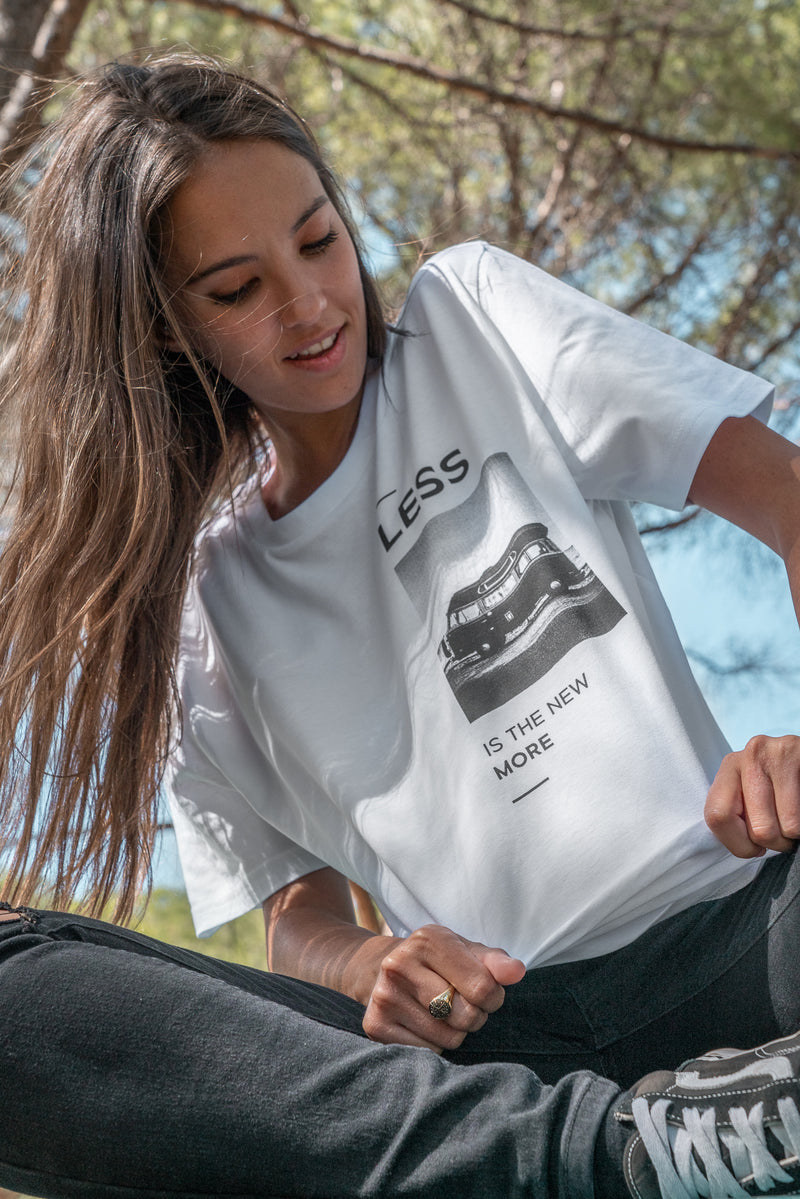 Camiseta Less is More