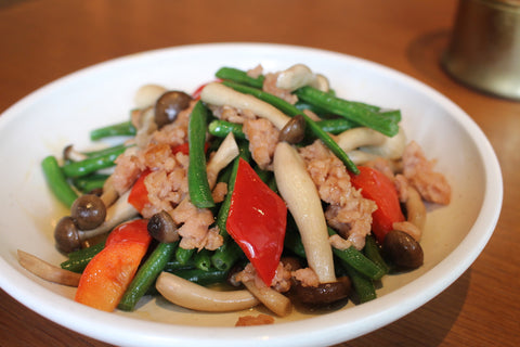 Stir-Fried French Beans with Shimeji Mushrooms