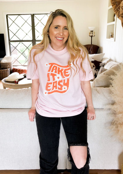 Take it Easy Daisy Tee: Pink