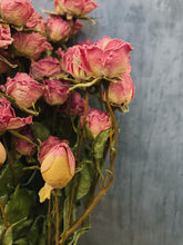 Load image into Gallery viewer, Dried Spray roses - pink