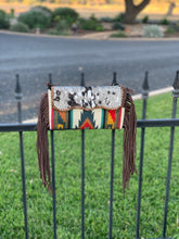 Load image into Gallery viewer, Cowhide & saddle blanket purse