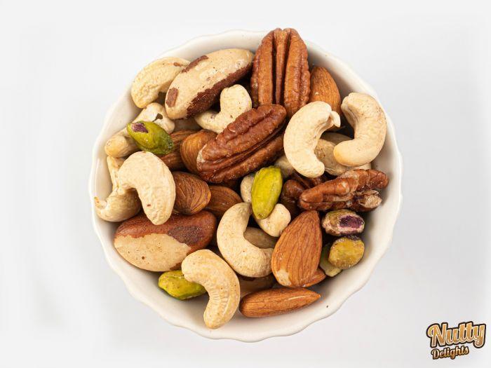 Nutty Delights : Premium Raw Mix Nuts 70g