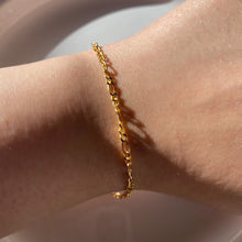 Load image into Gallery viewer, Dainty Diana Bracelet