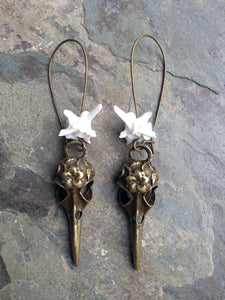 Snake Vertebrae Skull Earrings - Taxidermy Jewelry, Oddities Jewelry, Goth Style, Curiosities