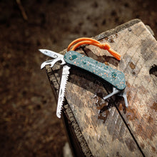 Load image into Gallery viewer, Wilderness Multi Tool Pocketknife