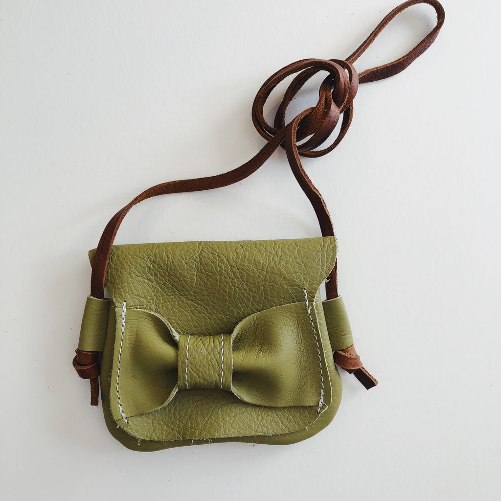 Green Olive | Teeny Traveler