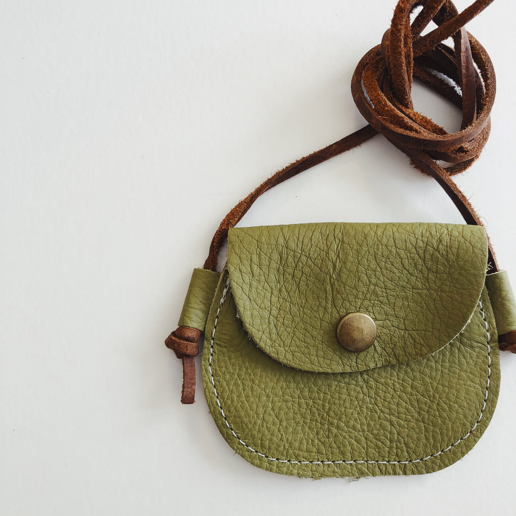 Wanderlust Pocket | Green Olive