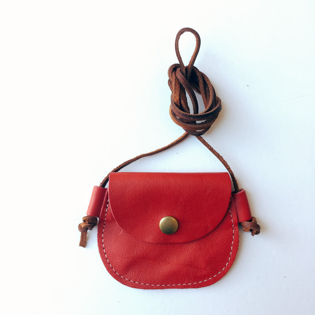 Wanderlust Pocket // True Red