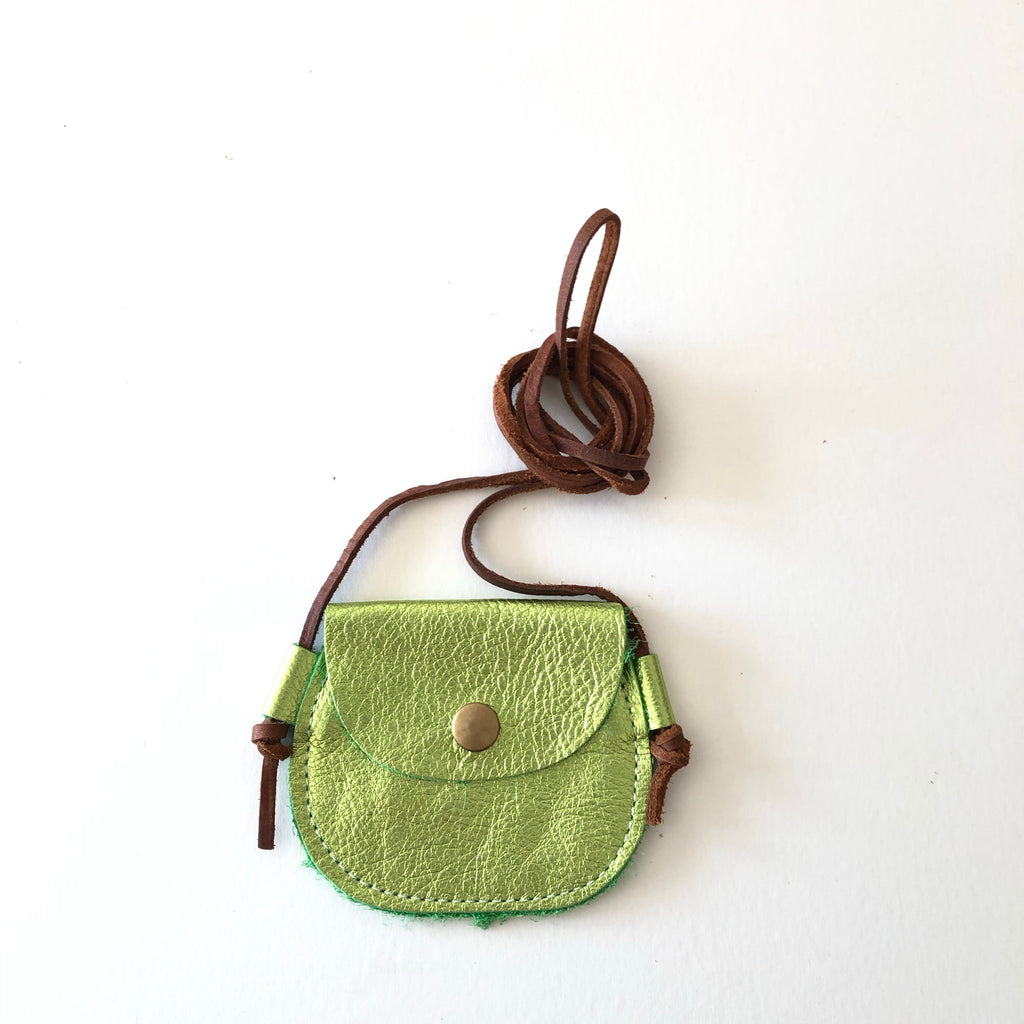 Wanderlust Pocket | Grinch