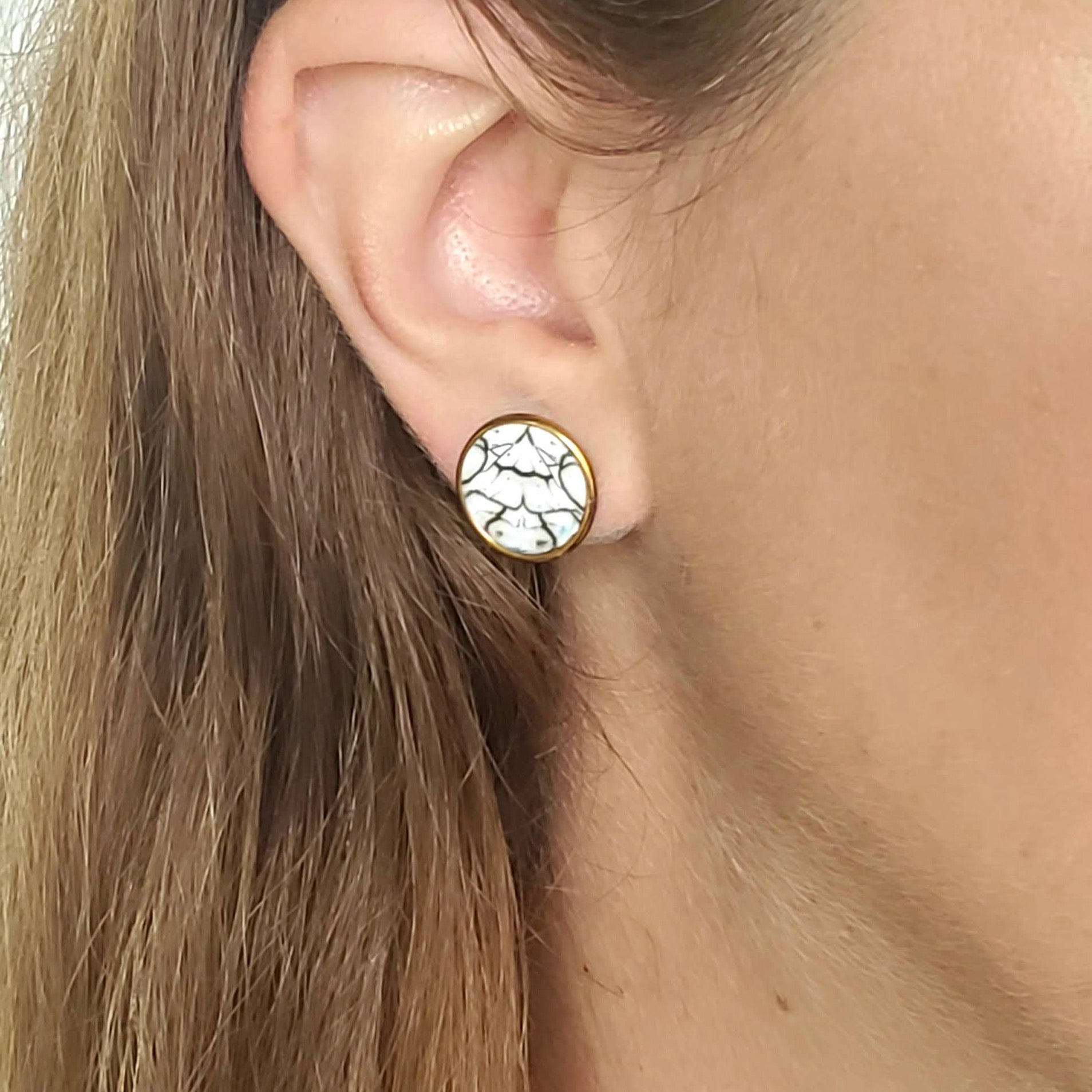 Ivory/Black Medium Post Earrings