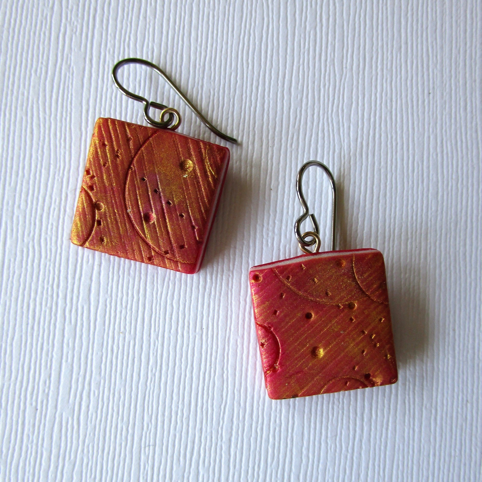 Flame Texture Drop Earrings