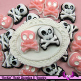 4 pieces SKULL and CROSS BONES Resin Decoden Flatback Cabochon 17x21mm - Rockin Resin  - 3
