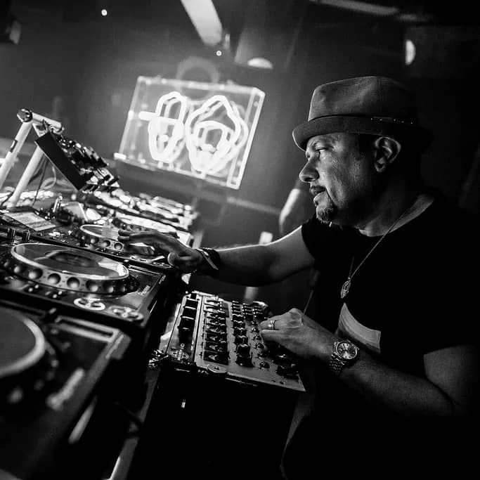 Louie Vega: The Master DJ Producer