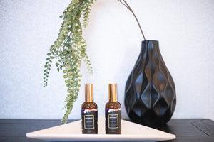 Elan by uri linen spray. A blend of lemongrass, ylang ylang, lavender and other essential oils. Great for diffusers!