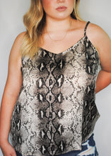 Load image into Gallery viewer, plus size snake print tank