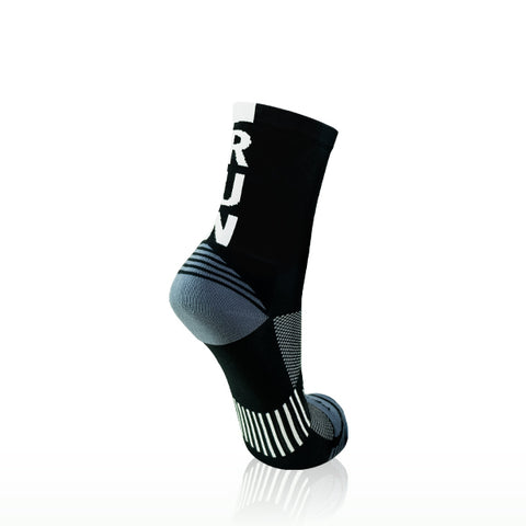 VERSUS RUNNING SOCKS BLACK